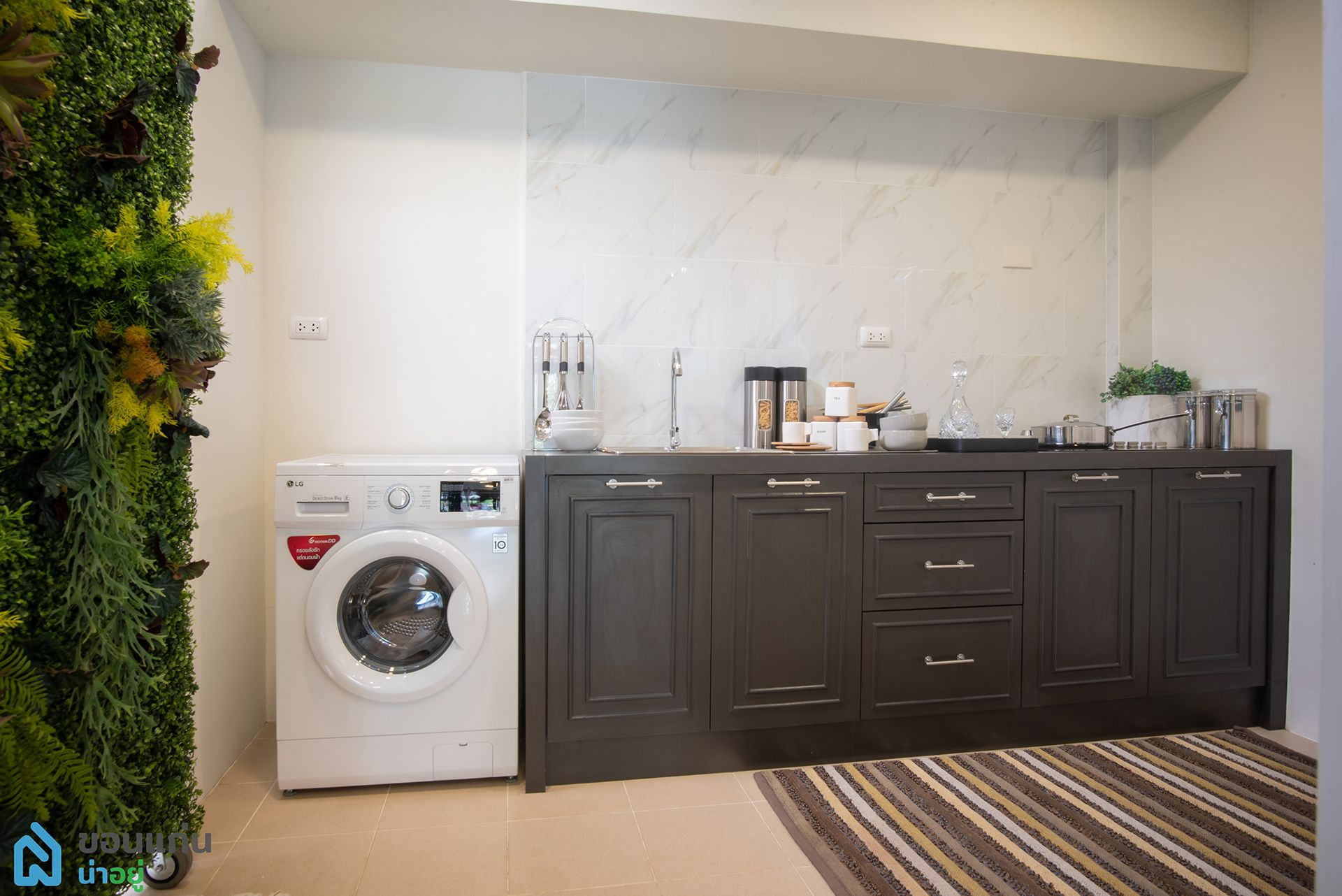 หลังบ้านสามารถต่อเติมเป็นครัวได้