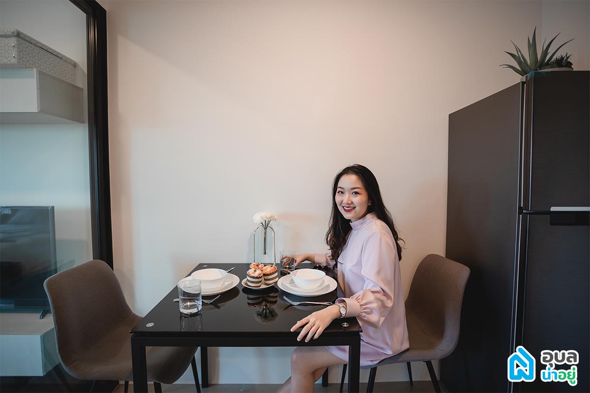โต๊ะทานอาหาร - Escent Ubonratchathani